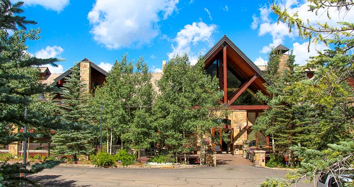 Bear-Creek-Lodge-exterior-summer-small.jpg
