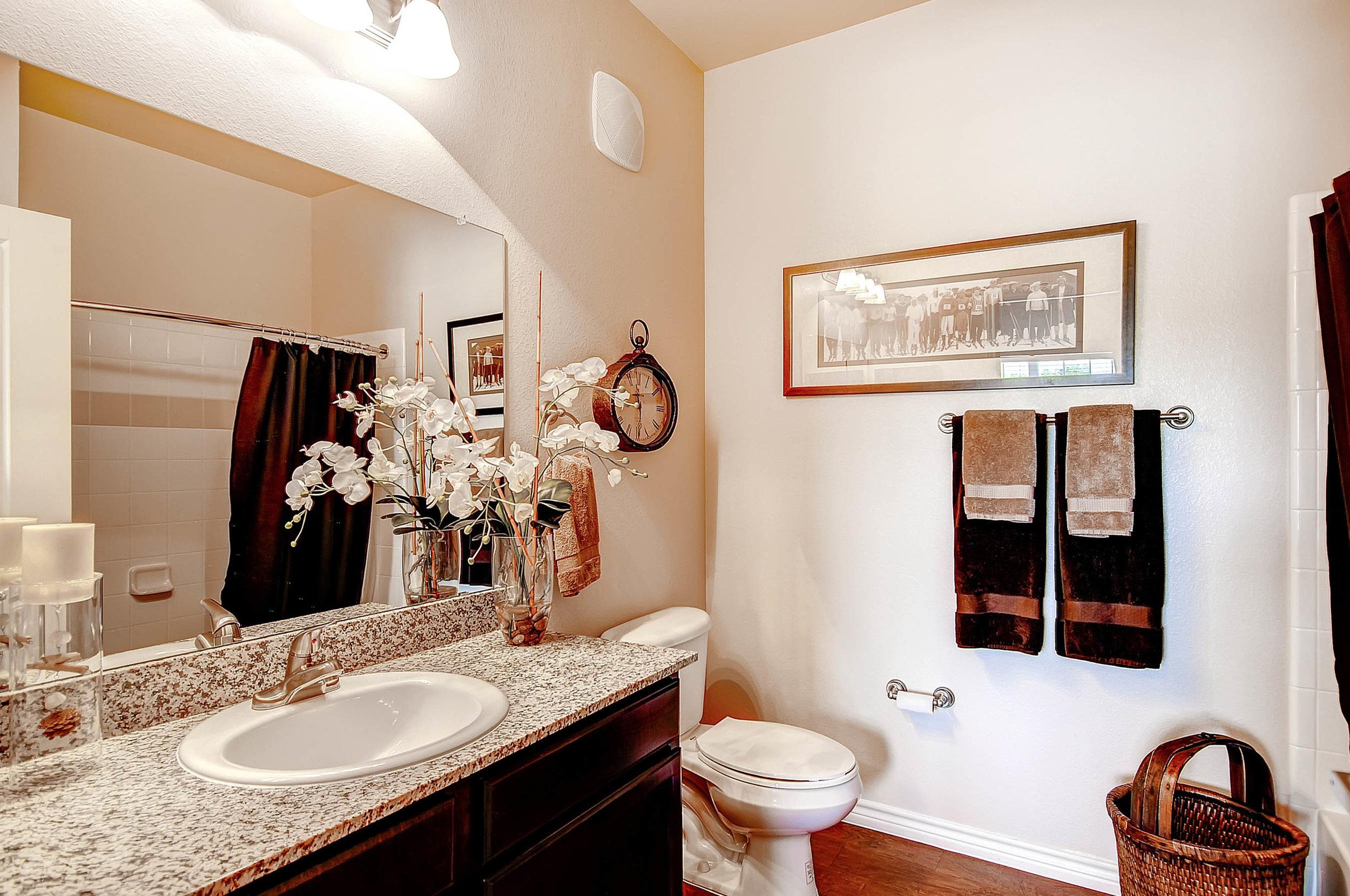 18 Master Bathroom.jpg