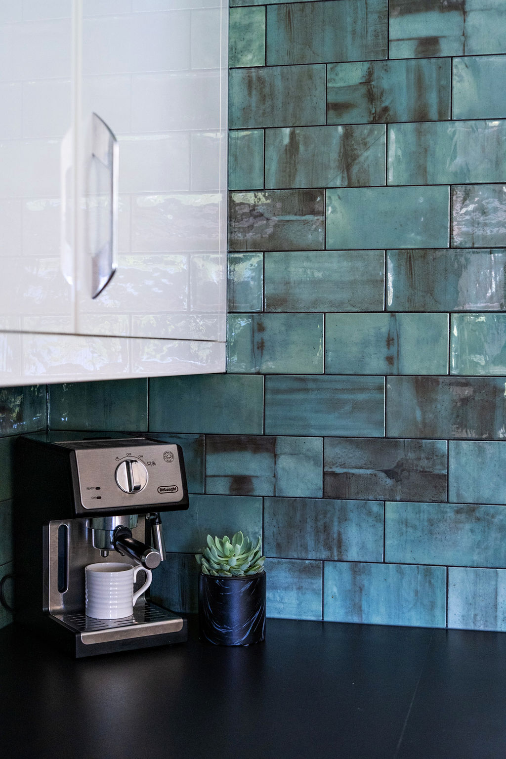 interior-designs-by-adrienne-cranbrook-bc-subway-tile-dekton-quartz