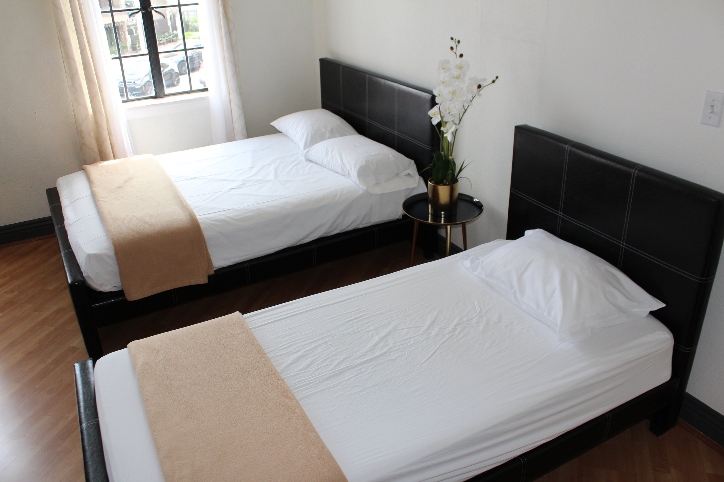 Image of Full Bed and Twin Bed Private Room.JPG