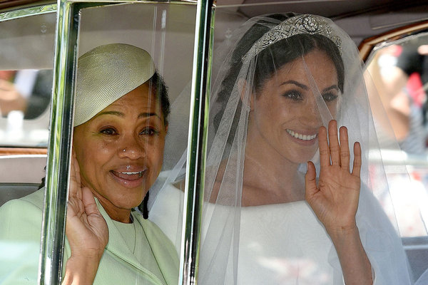 personal-space-meghan-markle-mother-christmas.jpg
