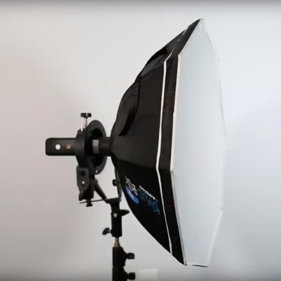 "Westcott Rapid Box 26"" - The Rapid Box is another great portable solution for V860 II and AD200 users.> Included cold shoe mount lets you use a V860 II right out of the box.> Softbox and speedlight mounting bracket packs down compact for easy transport.Please note: to use an AD200, you have to purchase the Rapid Box Switch and Bowens Mount bracket or use an S-Type bracket (as pictured)"