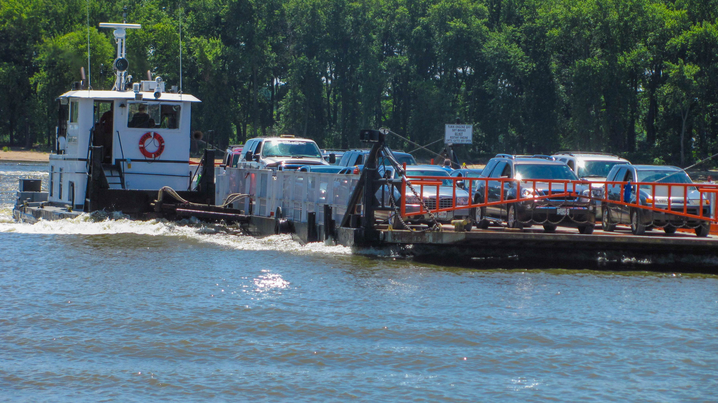 The Grafton Ferry crossing the Illinois Rivers