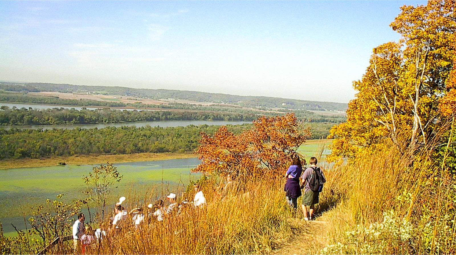 An autumn walk on the Goat Cliff Trail
