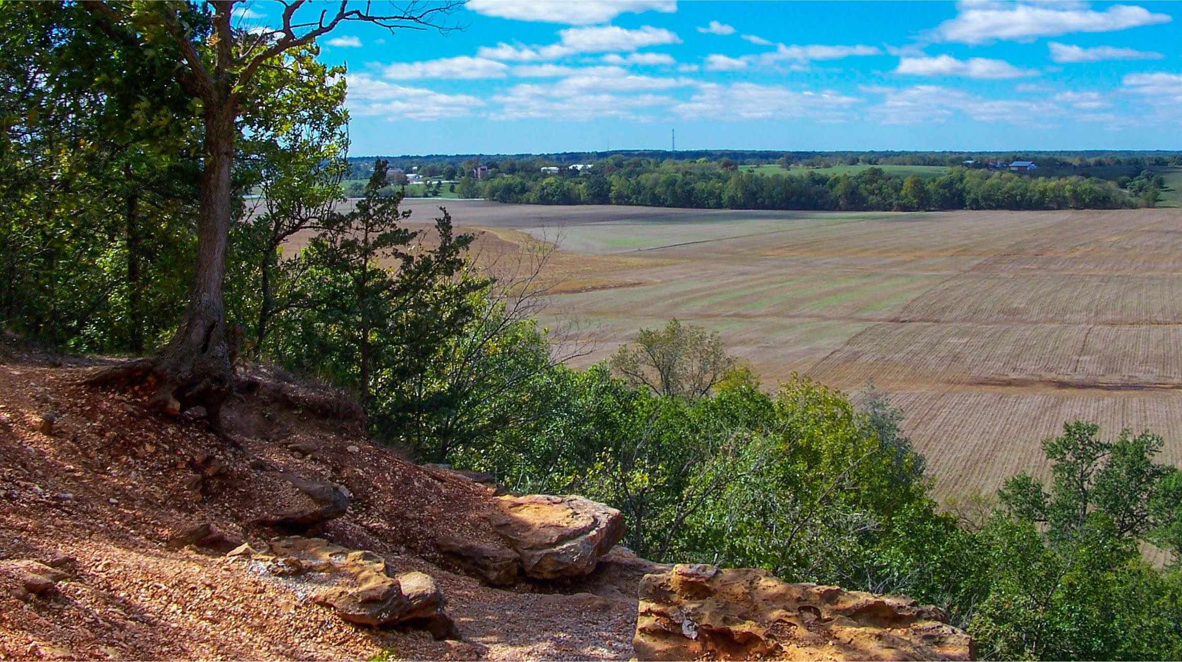 A view of Missouri's farmland from the Frenchman's Bluff Trail