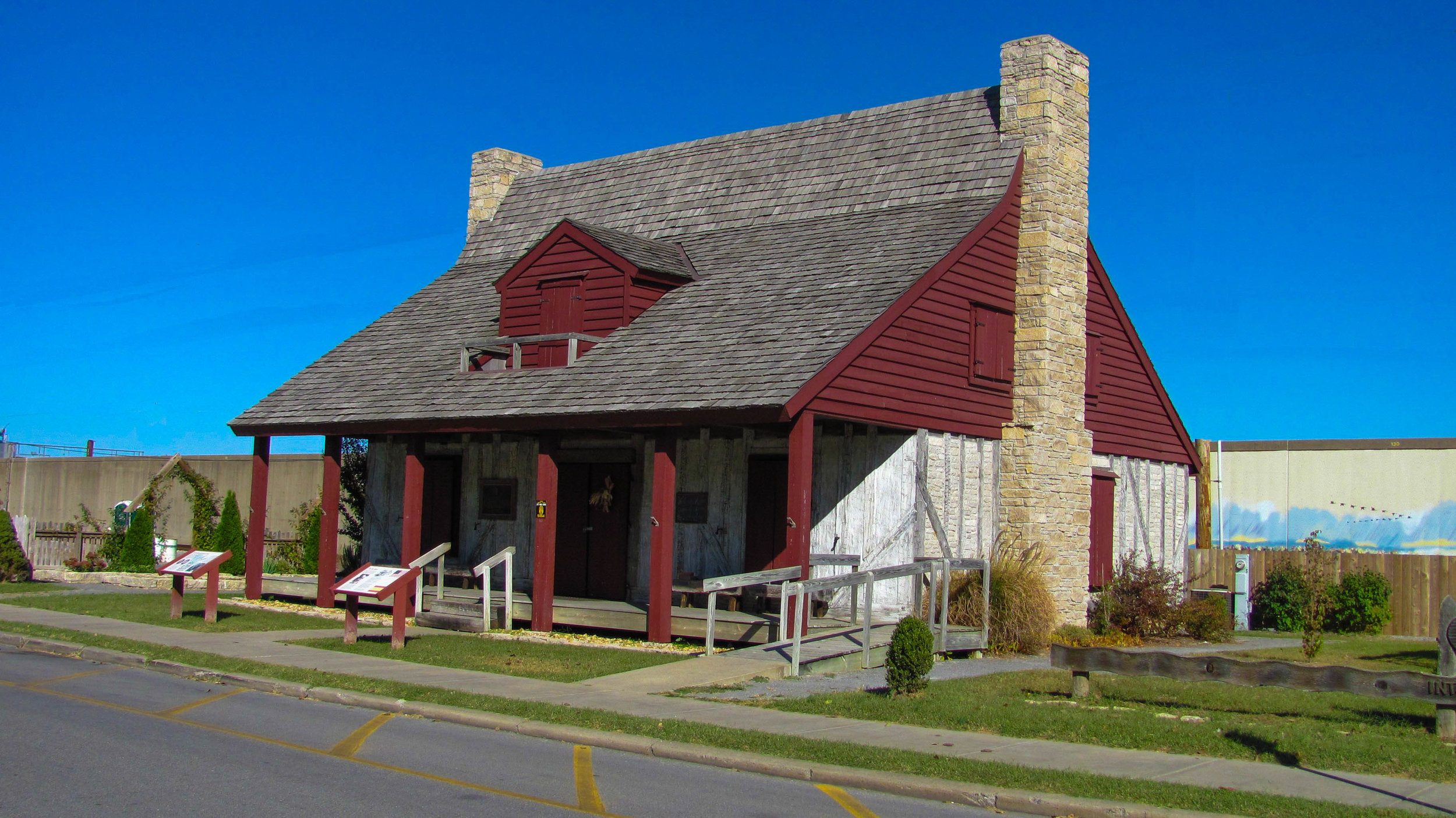 red-house-10142010-alr-0275.jpg