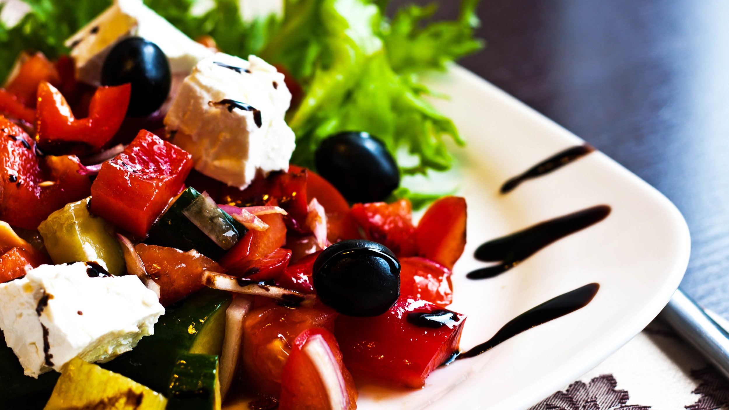 greek-salad-alr-c169-169.jpg