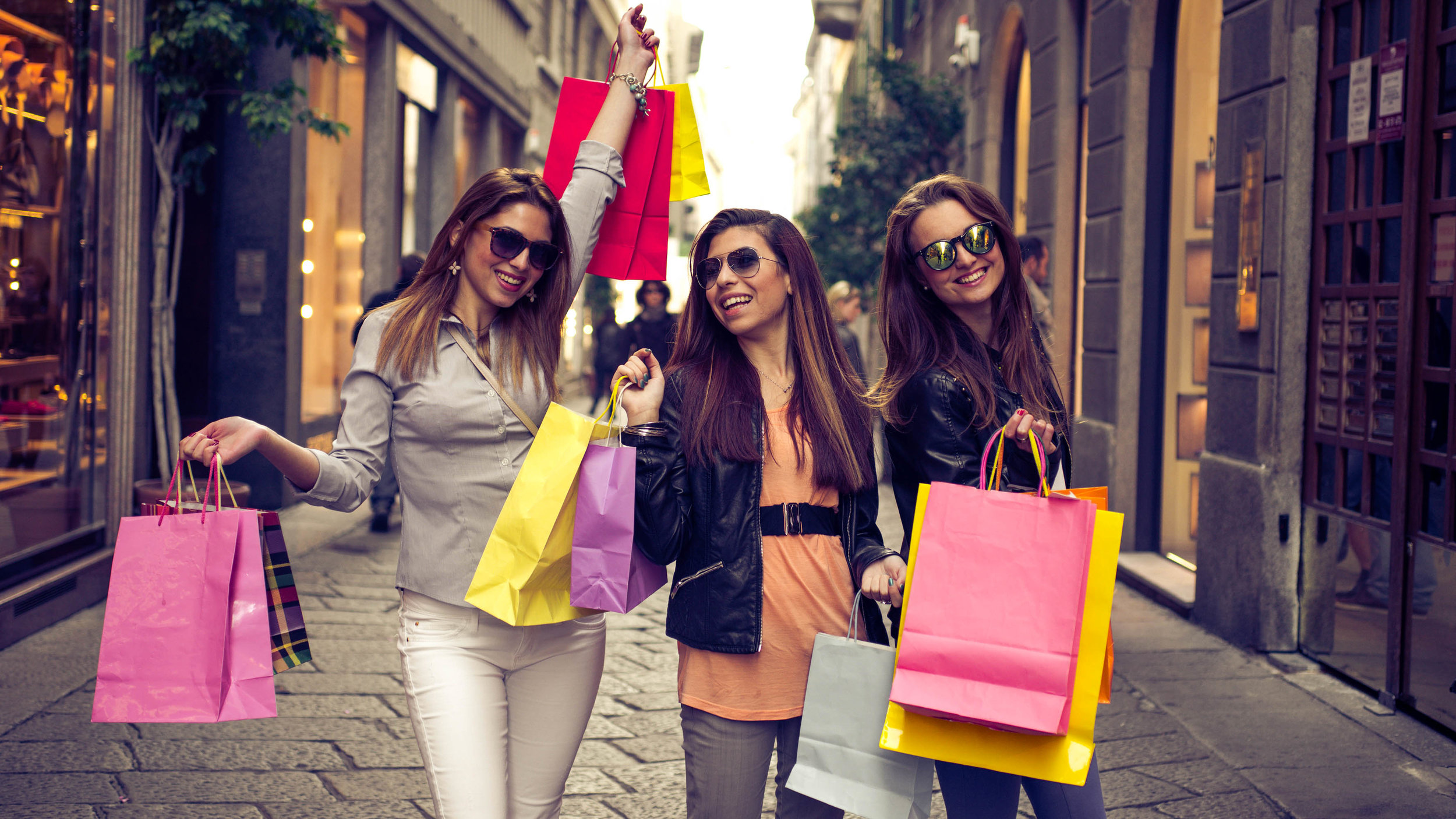 women-shopping-alr-3.jpg