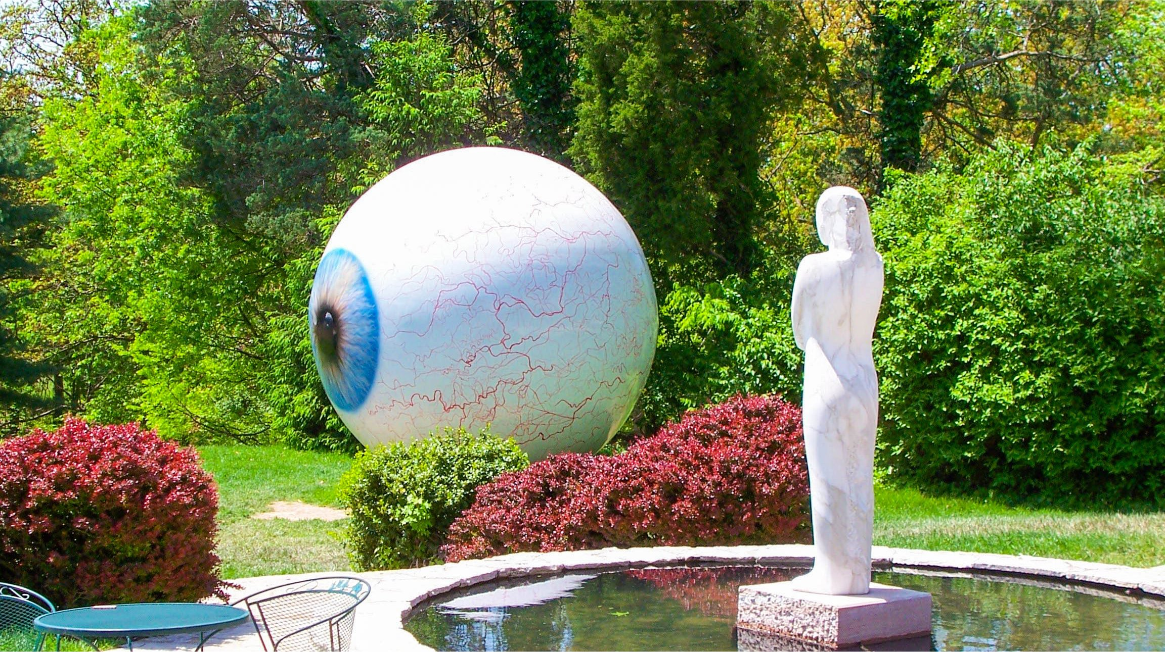 Eye by Tony Tasset Laumeier Sculpture Garden, Kirkwood, Missouri