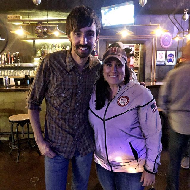 Some people just plain inspire you. @mopitney thanks for being a genuine human, an amazing writer and a singer everyone should know. Y'all check out his music. He will blow you away. Thanks for the convo (and the prayer)...I really needed to hear it! He'll be back at @thelocalnash at the end of the month! #mopitney #nashville #songwriter #nashvillesongwriter #thelocal #music #countrymusic #singing #sing #god #prayer #thelocalnashville