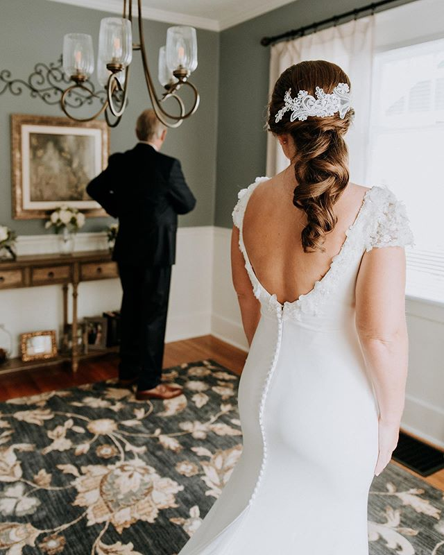 "Emily turned ""the party ponytail"" in to the most sweetly southern, elegant bridal hair. We tried on a few different styles but the elegant and understated ponytail fit so perfectly with her carefully curated details. So in love with everything about this wedding. @katiemcbroomphoto . . . . . . . . . . . . . . . . . . . . . . . . . . . . . .  #allthatislovelybb #mystylistlauren #lexingtonhairstylist #kentuckywedding #southernbride #kentuckybridemag #kentuckybride #wedding #thatsdarling #darlingmovement #engaged #chasinglight #weddingseason #smpweddings #theknot #shesaidyes #featuremeoncewed #loveintentionally #loveauthentic #intimatewedding #couplesgoals #stylemepretty #greenweddingshoes #huffpostido #weddingwire #weddingchicks #weddinginspo #bridalmusings"