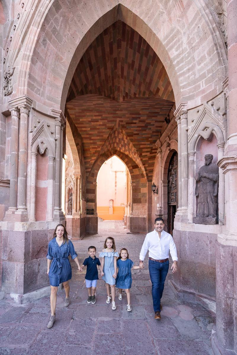 Sesion de Fotos Familiar en San Miguel de Allende con Jimena y su Familia-1.jpg