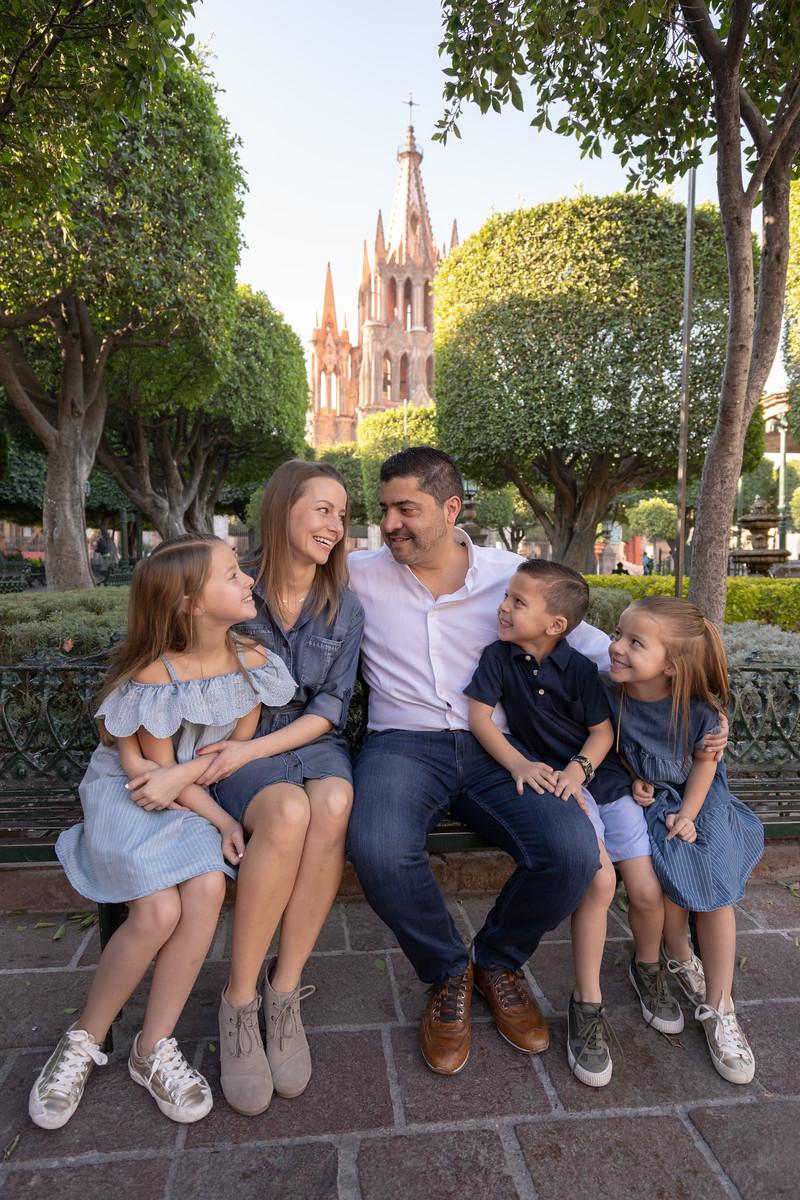 Sesion de Fotos Familiar en San Miguel de Allende con Jimena y su Familia-3.jpg