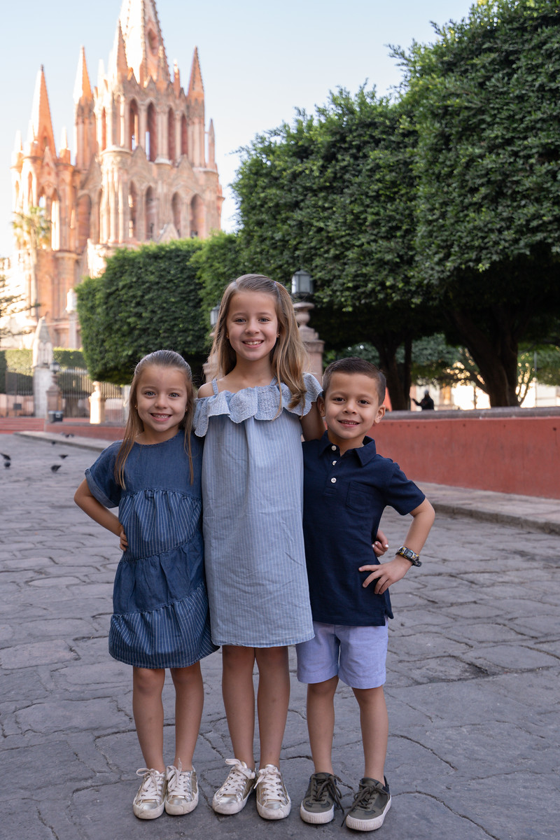 Sesion de Fotos Familiar en San Miguel de Allende con Jimena y su Familia-5.jpg