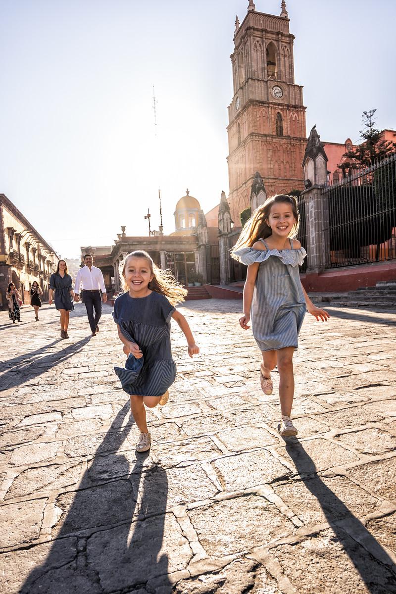 Sesion de Fotos Familiar en San Miguel de Allende con Jimena y su Familia-7.jpg