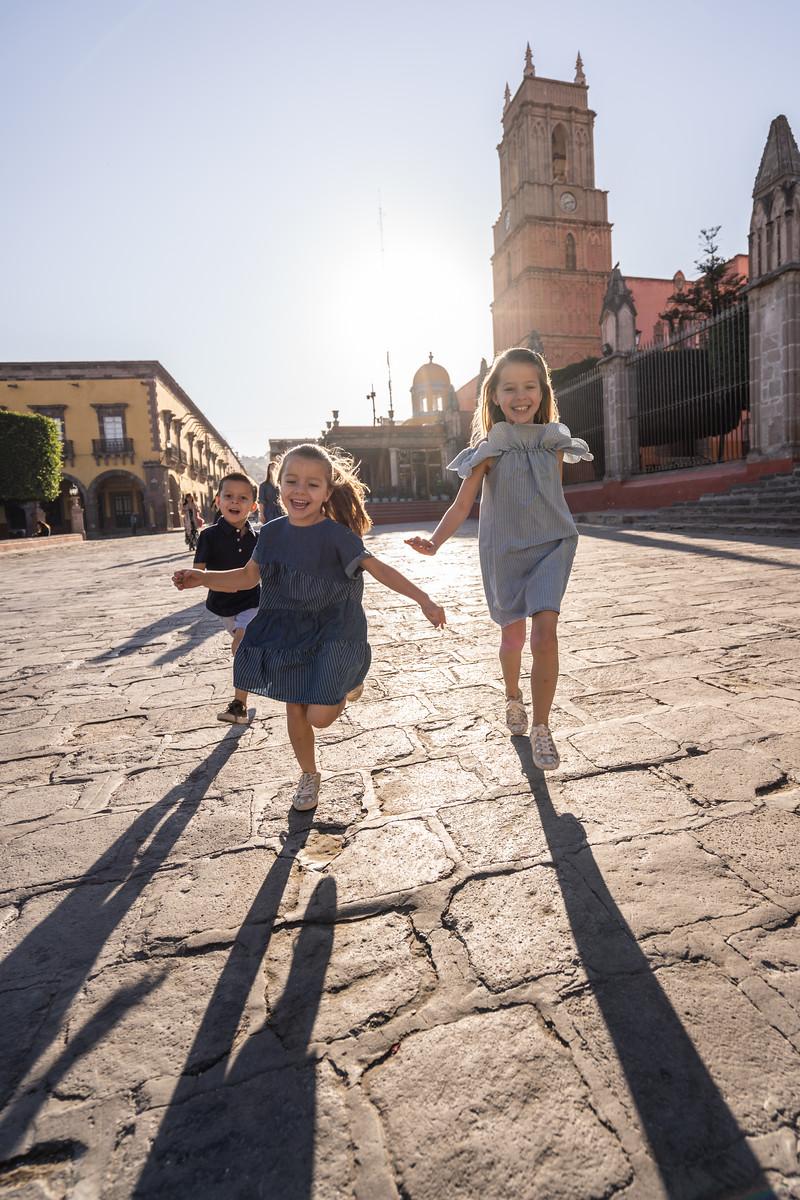 Sesion de Fotos Familiar en San Miguel de Allende con Jimena y su Familia-8.jpg