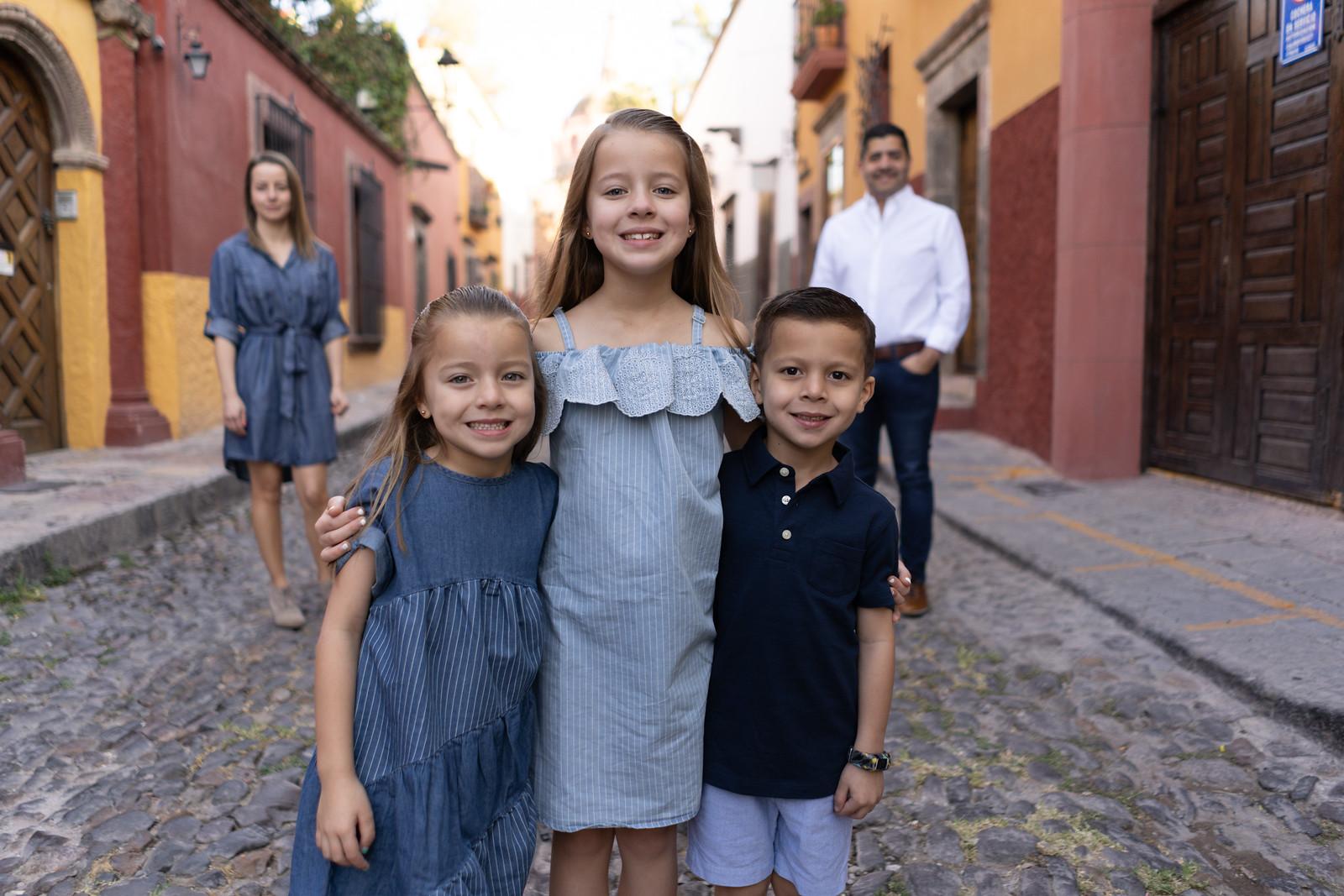 Sesion de Fotos Familiar en San Miguel de Allende con Jimena y su Familia-9.jpg