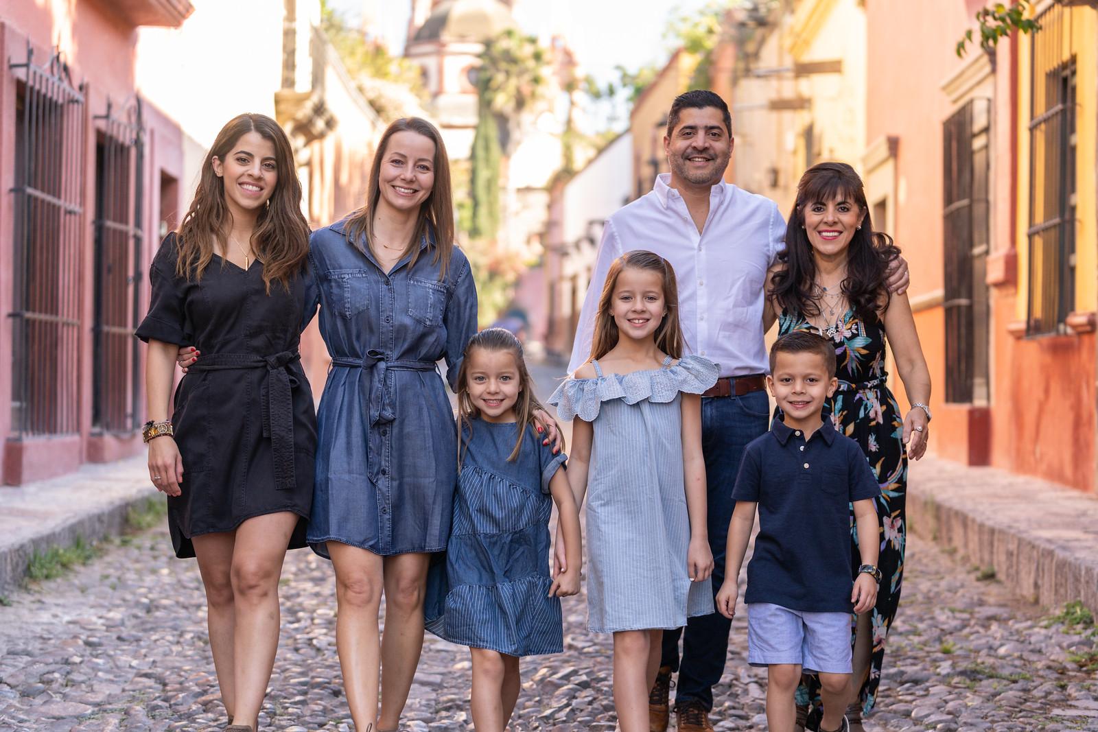Sesion de Fotos Familiar en San Miguel de Allende con Jimena y su Familia-14.jpg