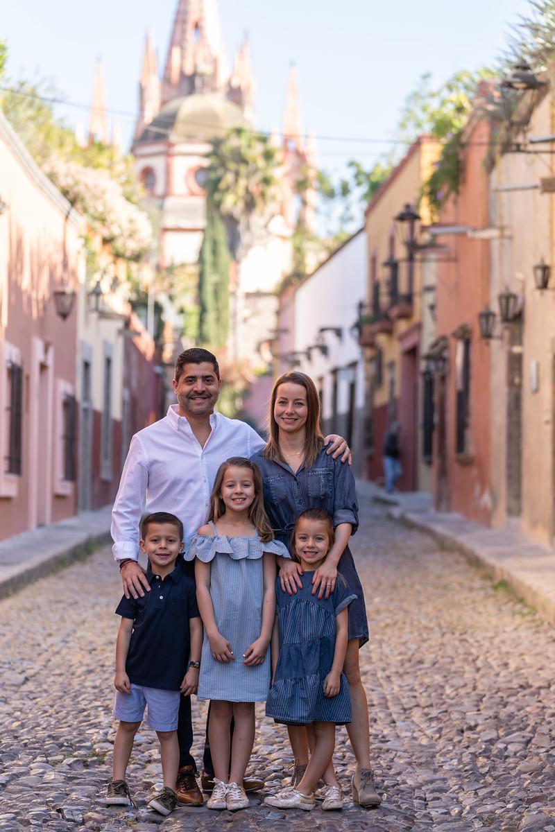 Sesion de Fotos Familiar en San Miguel de Allende con Jimena y su Familia-15.jpg