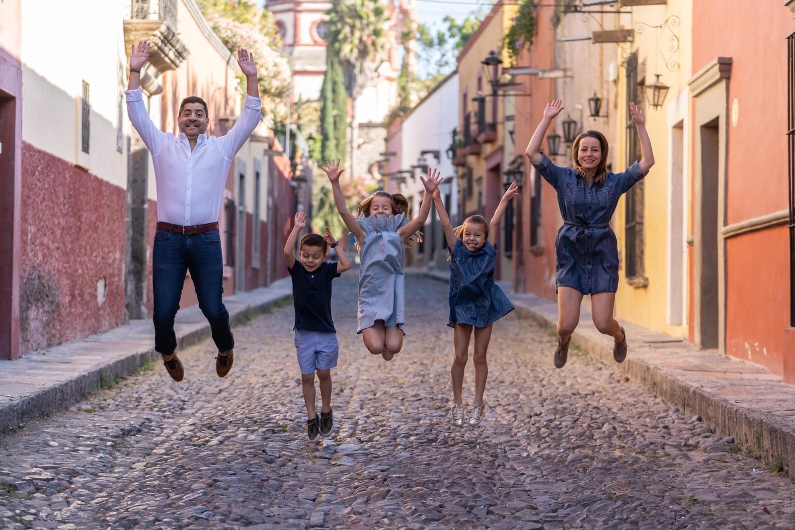 Sesion de Fotos Familiar en San Miguel de Allende con Jimena y su Familia-17.jpg