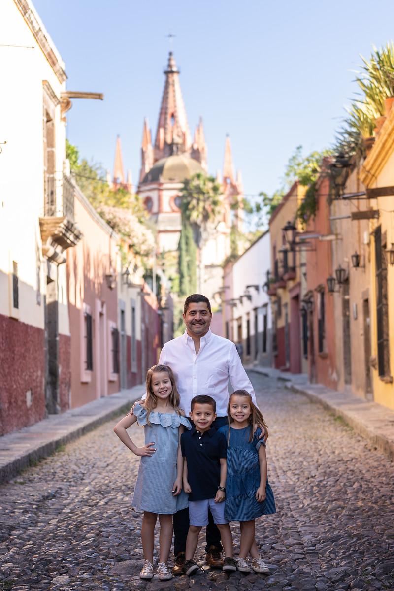 Sesion de Fotos Familiar en San Miguel de Allende con Jimena y su Familia-18.jpg