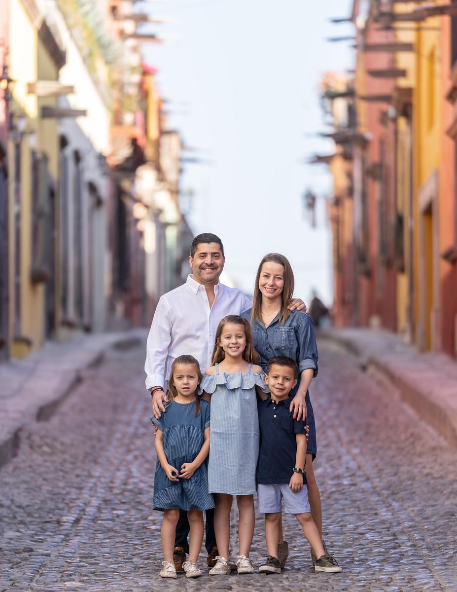 Sesion de Fotos Familiar en San Miguel de Allende con Jimena y su Familia-21.jpg