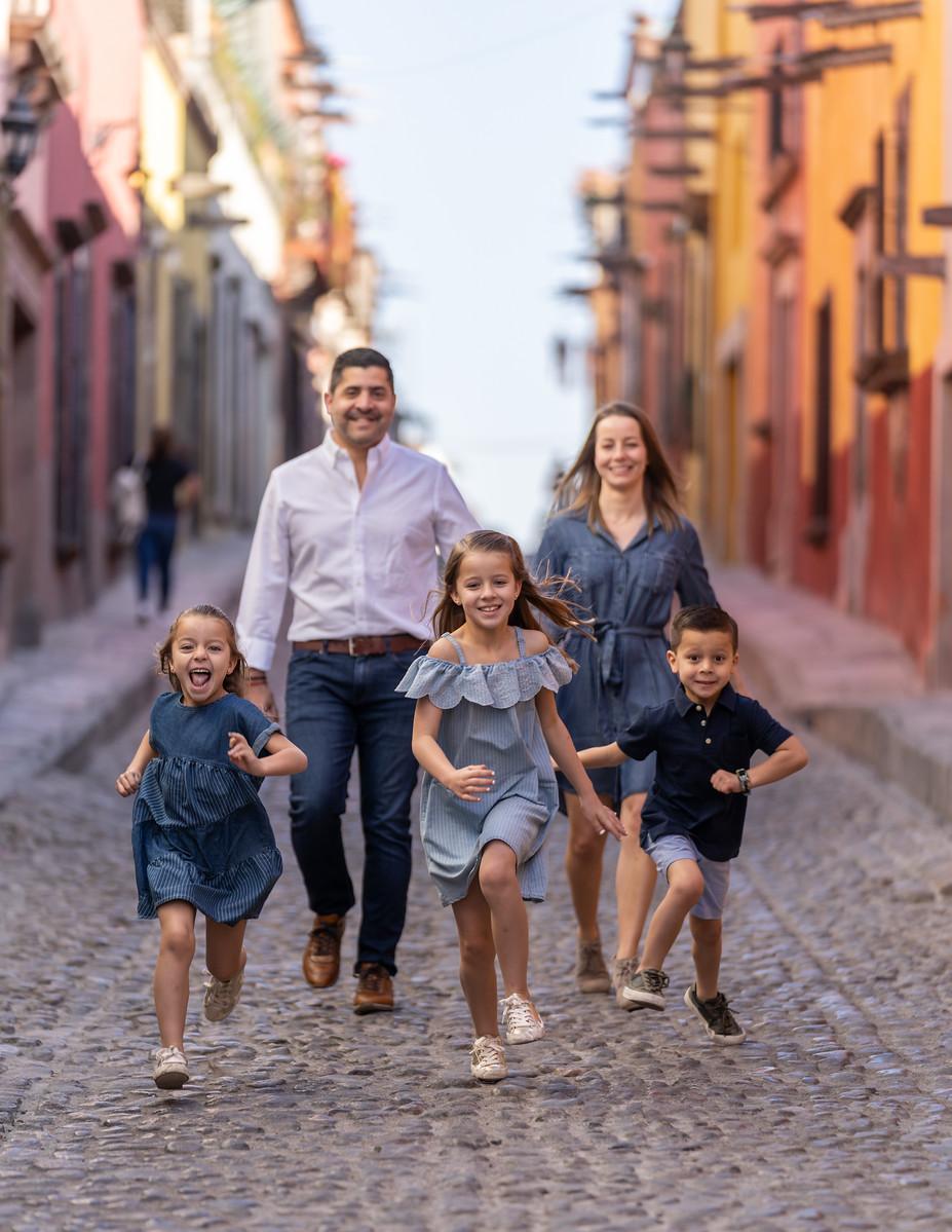 Sesion de Fotos Familiar en San Miguel de Allende con Jimena y su Familia-24.jpg
