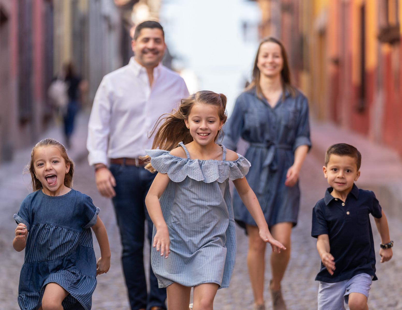 Sesion de Fotos Familiar en San Miguel de Allende con Jimena y su Familia-25.jpg