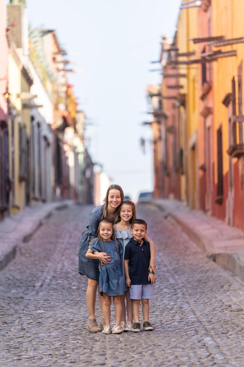 Sesion de Fotos Familiar en San Miguel de Allende con Jimena y su Familia-26.jpg