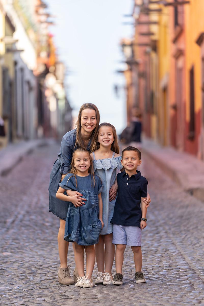 Sesion de Fotos Familiar en San Miguel de Allende con Jimena y su Familia-27.jpg