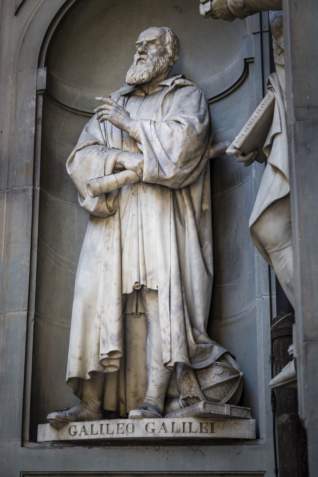 Statue of Galileo outside the Iffizi Gallery in Florence, Italy.