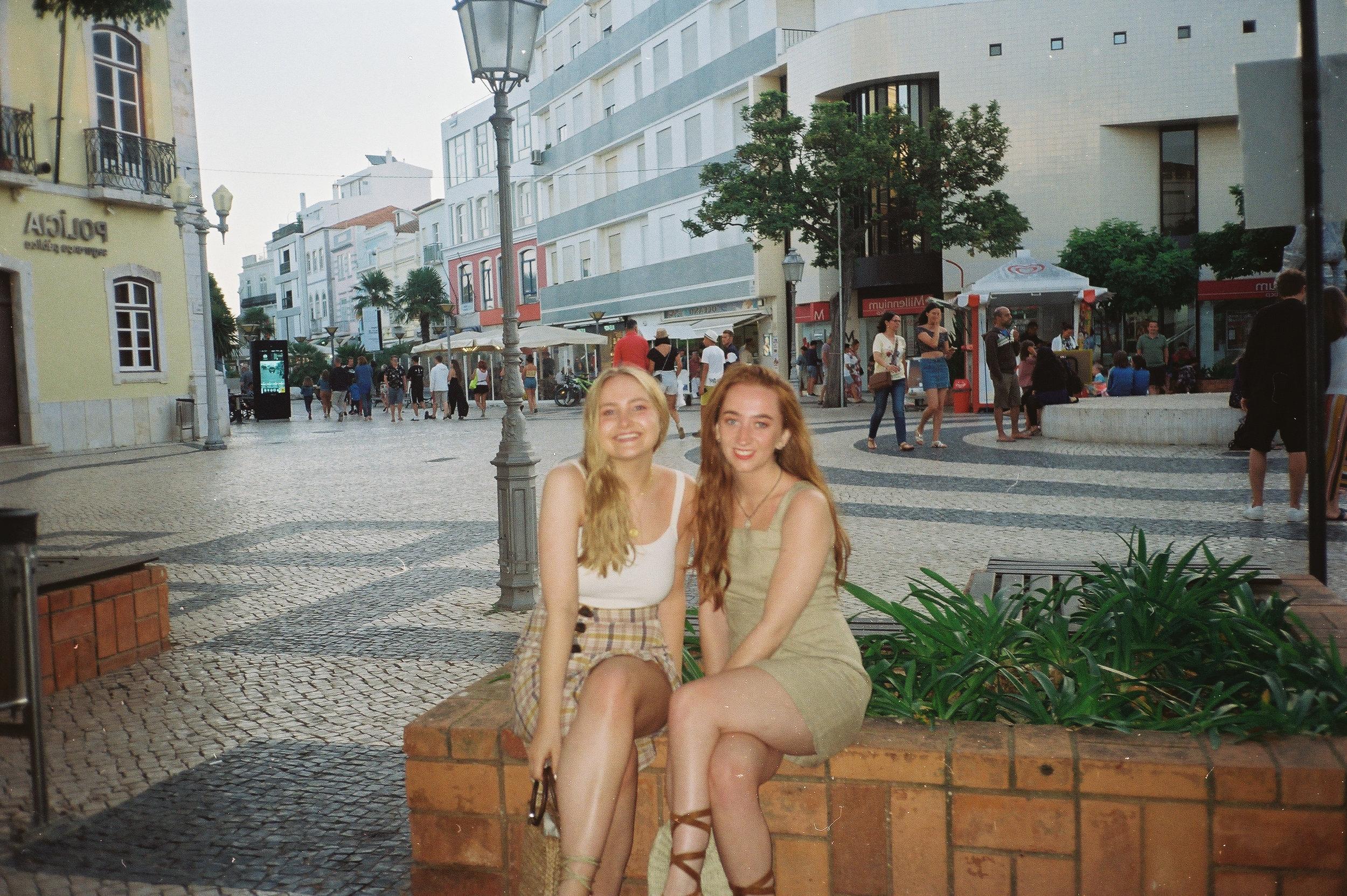 a-girls-trip-to-portugal-on-35mm-film25.jpg