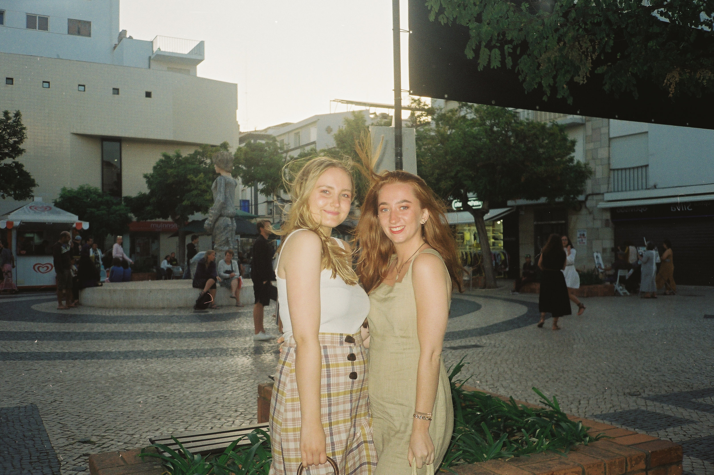 a-girls-trip-to-portugal-on-35mm-film26.jpg