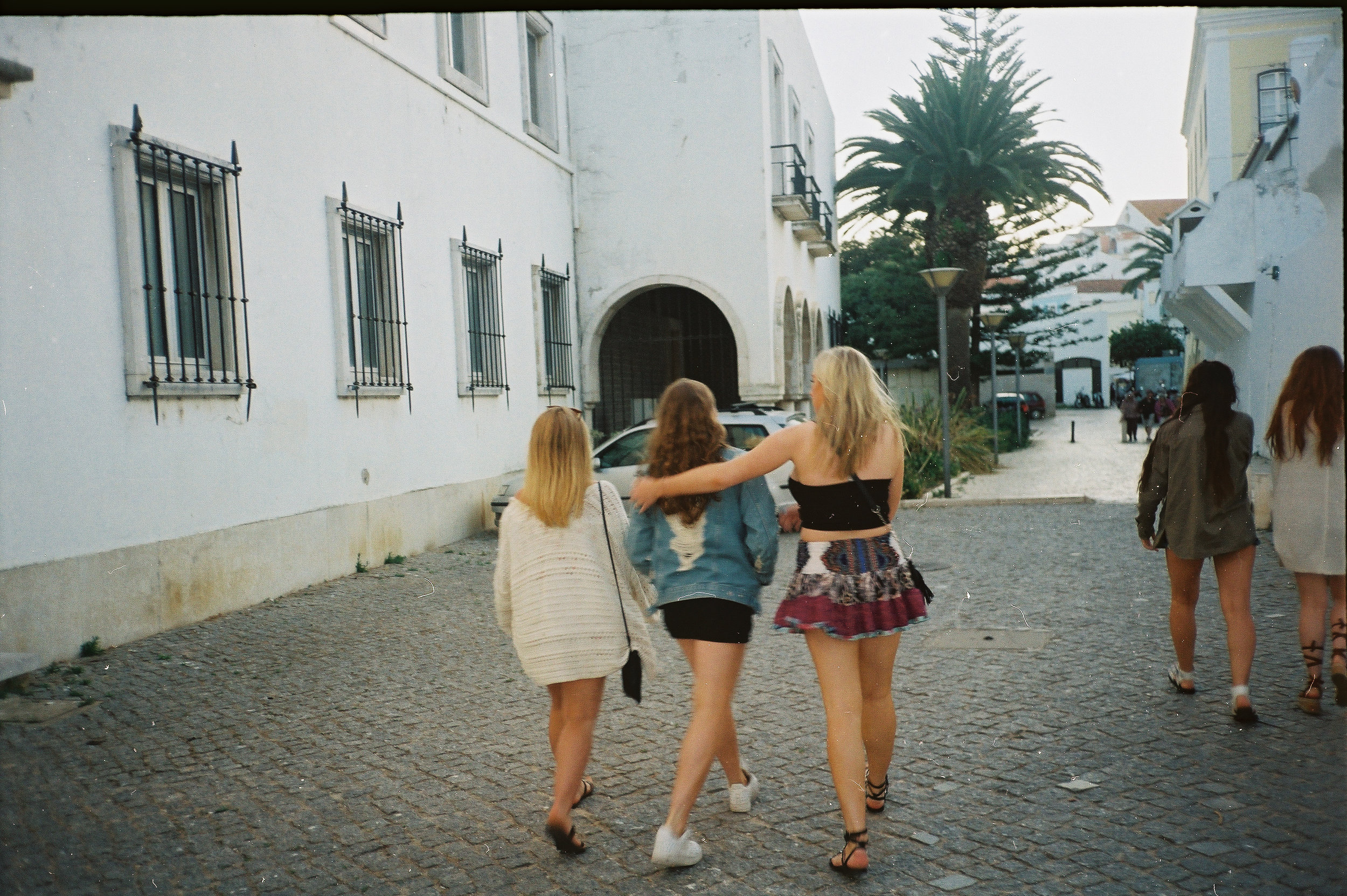 a-girls-trip-to-portugal-on-35mm-film31.jpg