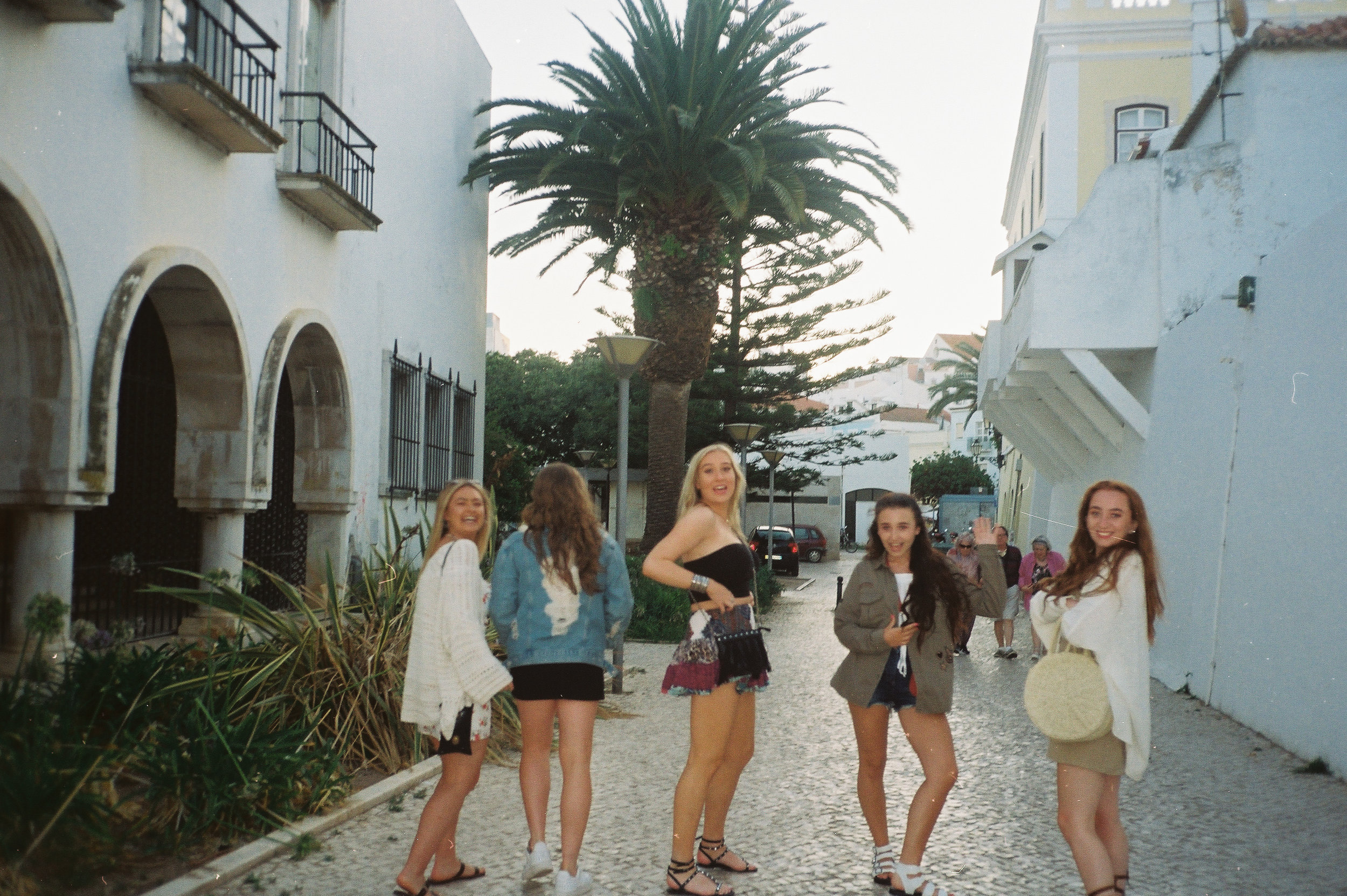 a-girls-trip-to-portugal-on-35mm-film31.5.jpg