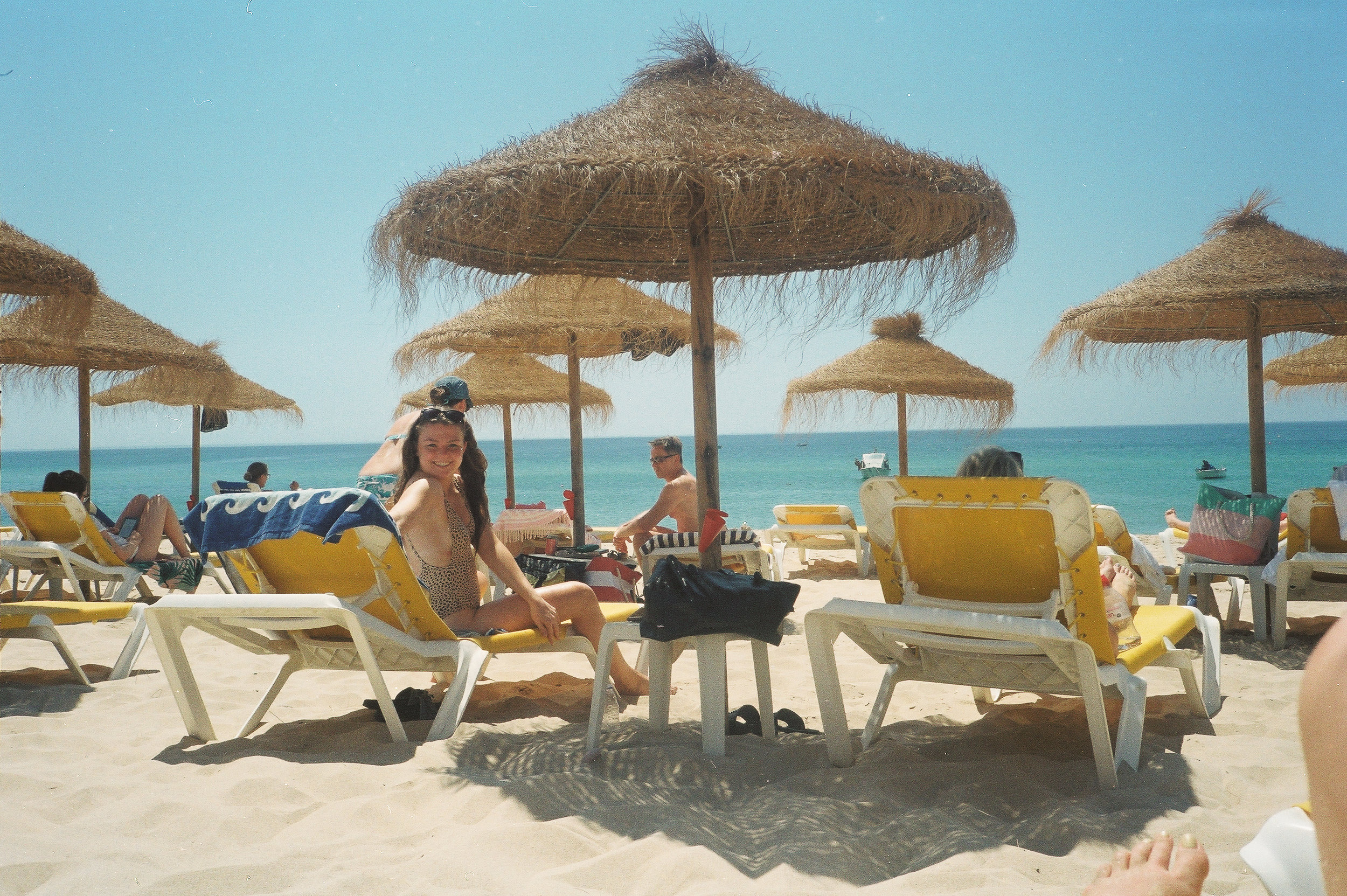 a-girls-trip-to-portugal-on-35mm-film41.jpg