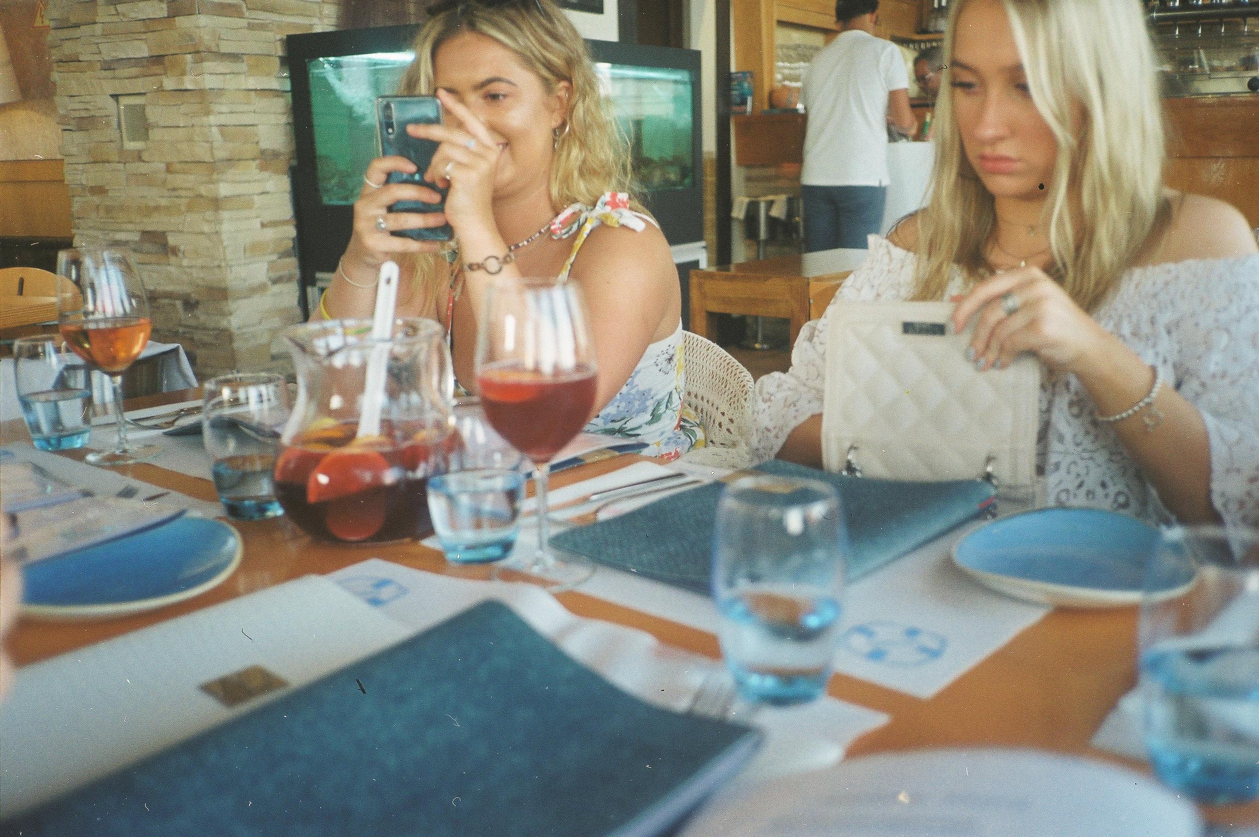 a-girls-trip-to-portugal-on-35mm-film58.jpg