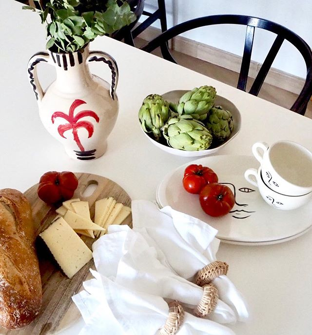 Sunday calls for long lunches ☕️ #ceramics #palmtree #handmadeinmallorca