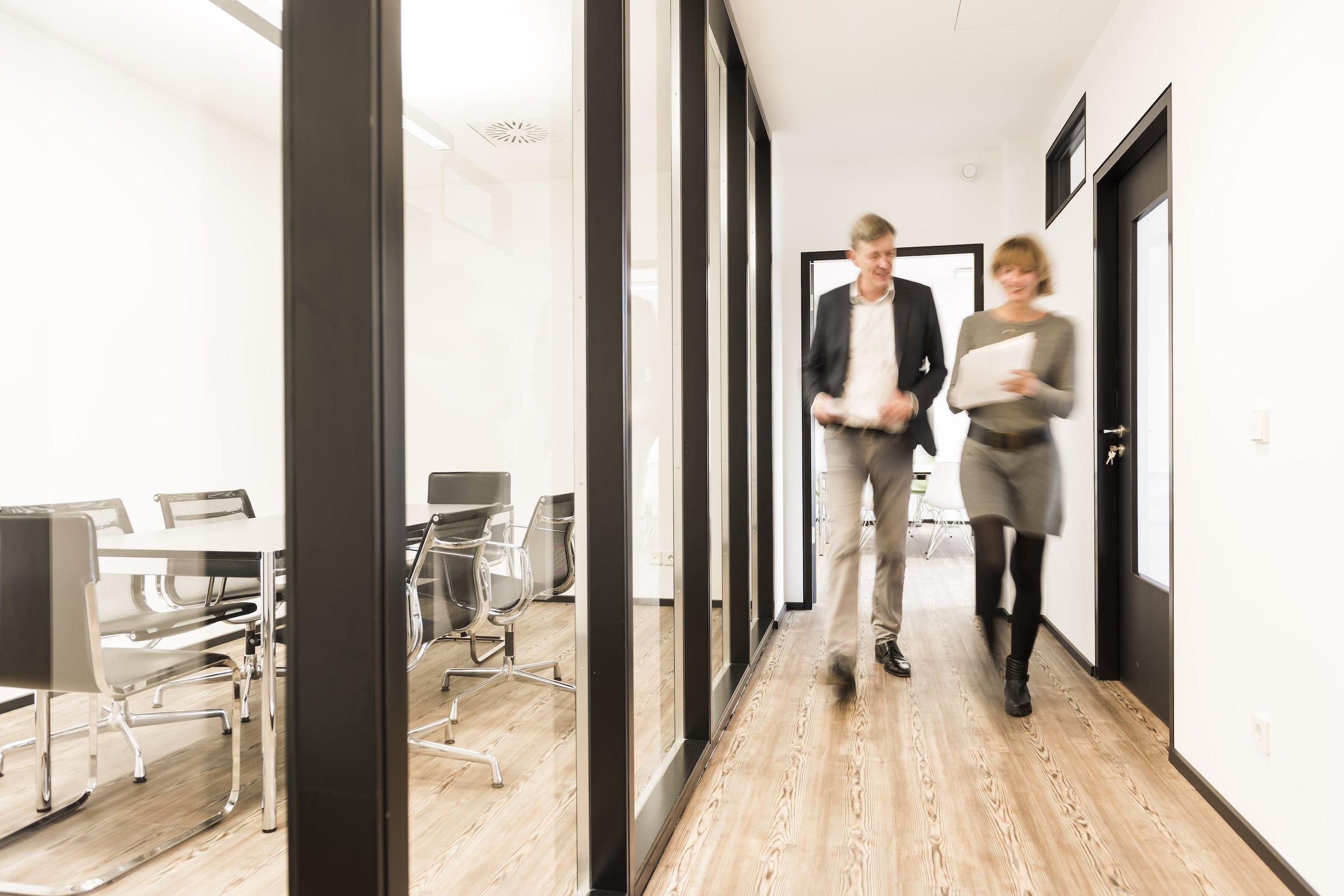 DIE KSW-GRUPPE AUF EINEN BLICK - Die 2003 in Leipzig gegründete KSW-Gruppe ist als Projektentwickler sowohl in der Renovierung von Denkmalschutzobjekten als auch in der Realisierung eigener Bauvorhaben engagiert. Dazu gehören Wohnimmobilien ebenso wie Hotelobjekte, studentisches Wohnen und Gewerbeobjekte.
