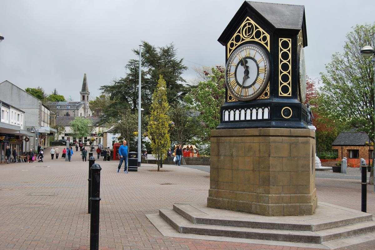 Milngavie Town Centre currently boasts twelve places to eat and enjoy a coffee - Costa, Fantoosh, Finsbay, Garvies, Café Alba, to name a few. It has over 120 businesses operating from the centre and its popularity is growing year on year.