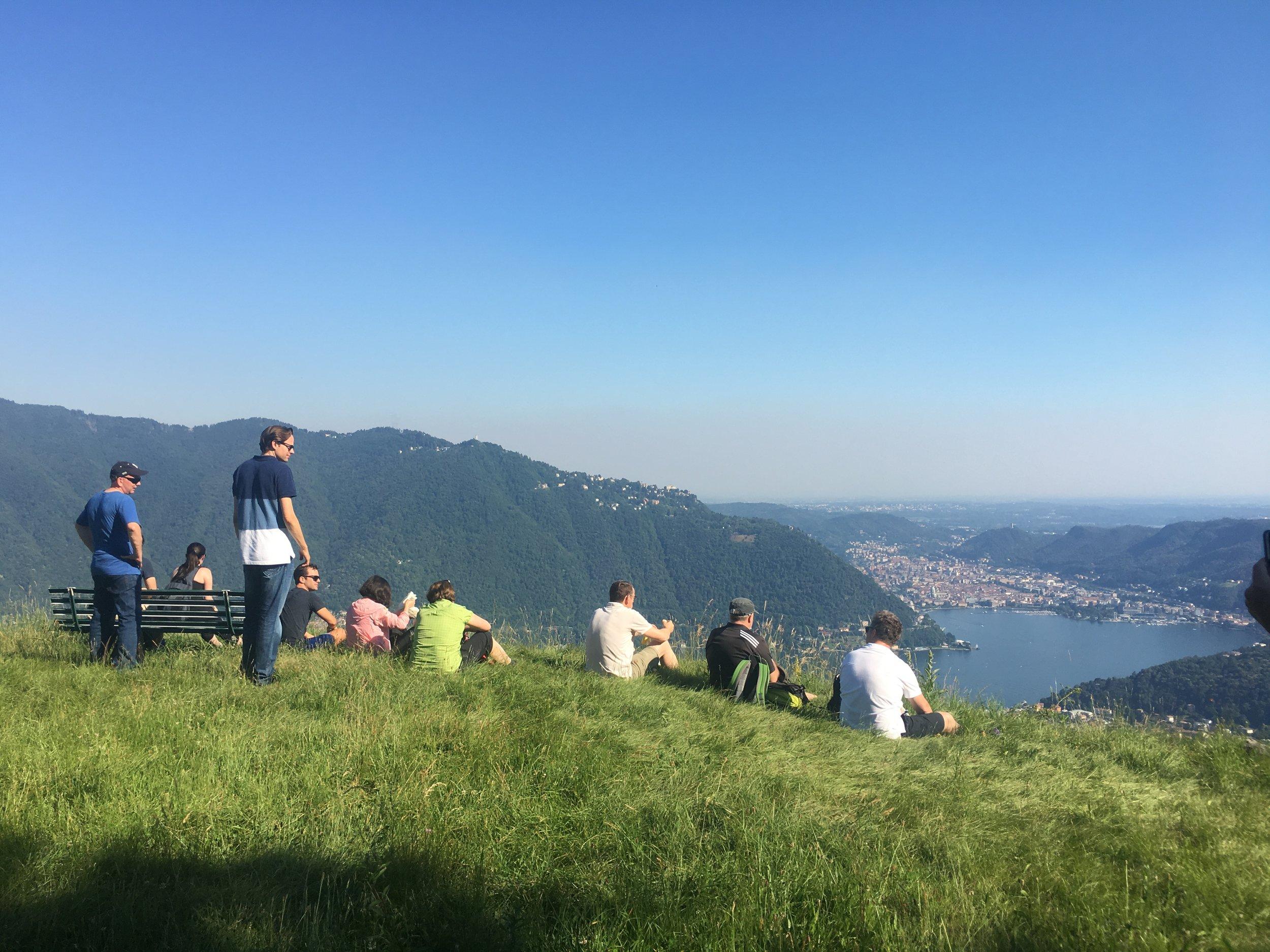 HikingComoLake_Duello_AKN.JPG