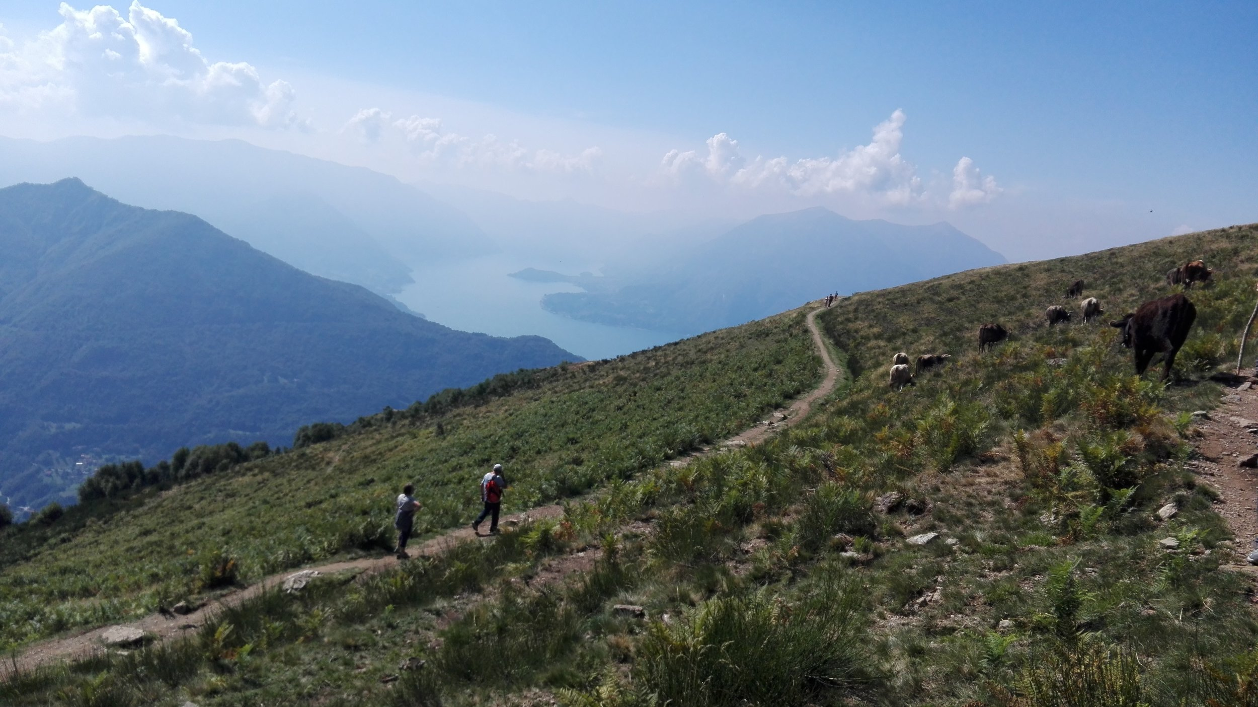 Hikingcomolake_crocedimuggio1.jpg