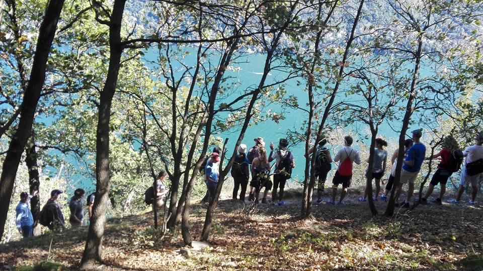 HikingComoLake2.JPG
