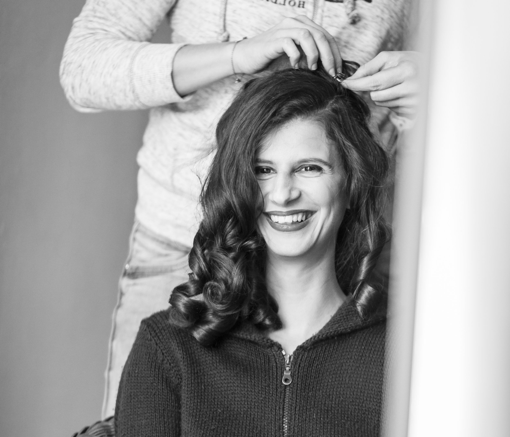 FLORA - Marie est souriante, sympathique, pro, à l'écoute et de très bon conseil ! Que ce soit pour l'essai et trouvé la coiffure parfaite ou pour le jour J, j'ai passé un très bon moment !Je recommande à toutes les futures mariées.Crédit photo: Utopik