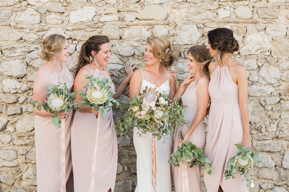JAMIE - Thank you very very much for making me and the girls look absolutely stunning. You are an amazing woman and so good at what you do merci merci merci ! I still can't believe you managed to do all our make-up and Hair on time. Merci encore pour tout !Crédit photo: L'oeil de Cha