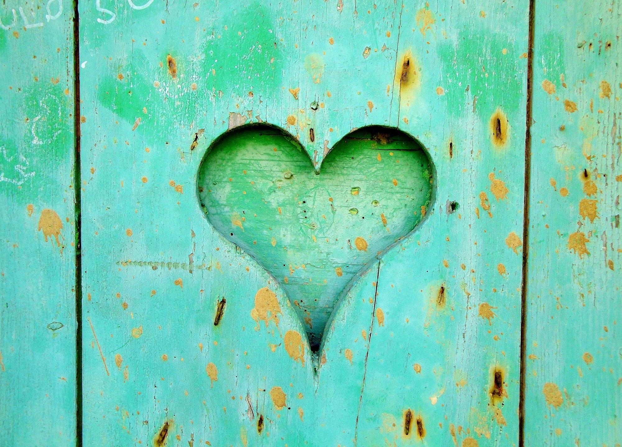 art-close-up-heart-161711.jpg