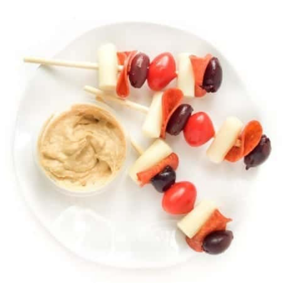 5-Ingredient Pizza Skewers - Pizza is always a good idea. This recipe is so easy to make that your kids can help you put it together. Do your kids have a favourite pizza topping? Feel free to mix and match this recipe to adjust to your family favourites.Get the recipe>>