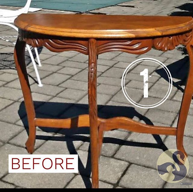 """This cute half moon table got an weathered table look with a cute """"flower market"""" #stencil.  On top of my go-to white #behrsbitofsugar that I make into #diychalkpaint, there's #anniesloanclearwax  and #darkwax which gives it a creamier color. Swipe ⬅️ to see the """"after""""!"""