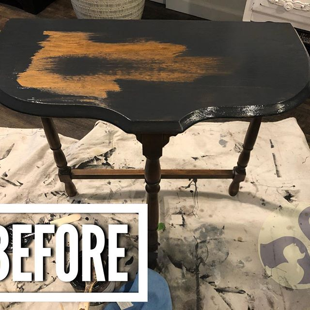 """*This piece is for sale... Love the way this adorbs table turned out!💕💕 Swipe ⬅️ to see the """"after""""  The legs have some curvy character but the """"T"""" underneath was just plain and boring!  Nothing a few whimsical black and white stripes couldn't fix, though! 😊 😉 And, loving the #DixieBelle paint in """"licorice"""" and their clear satin topcoat. Great products! Thank you, @confessionsofaserialdiyer!! Www.uglyducklingfurniture.com"""
