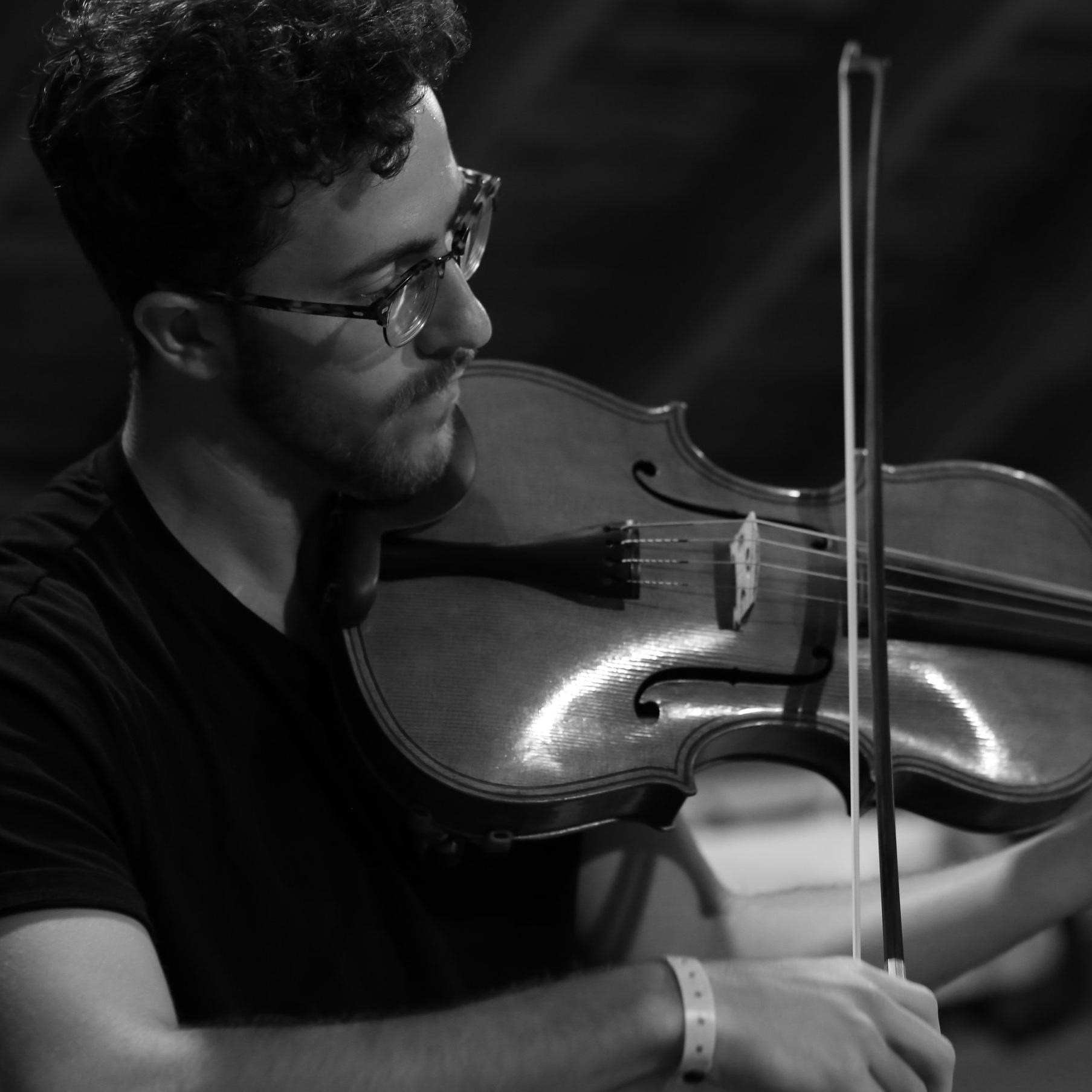 Uilleac Whelan - Violin and Piano Teacher.